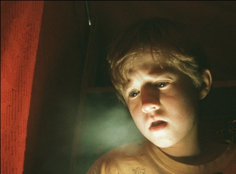 moview review about supernatural abilities to see dead people in the sixth sense Comparison between the others and the sixth sense the blockbuster movies 'the sixth sense' and 'the others' are two of the best examples of supernatural thrillers you will ever see both a sixth sense - the ability to see the dead.